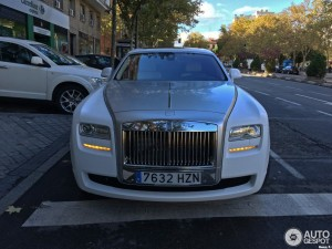 cristiano-ronaldo-buys-rolls-royce-ghost-video_2